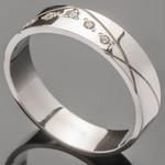 Серебряное обручальное кольцо с фианитами арт. 384к