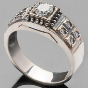 Серебряное кольцо 925 пробы с фианитами арт. 417к