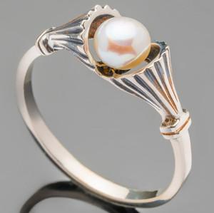 Кольцо серебряное 925 пробы с жемчугом черненное арт. 464к