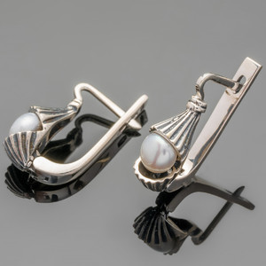 Серебряные серьги с жемчугом черненные арт. 464с