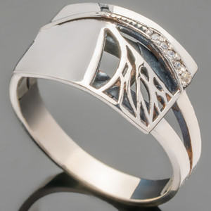 Серебряное кольцо 925 пробы с фианитами арт. 425к