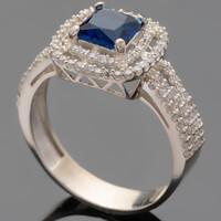 Серебряное кольцо 925 пробы с фианитами арт. 415к