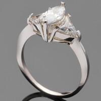 Серебряное кольцо 925 пробы с фианитами арт. 471к