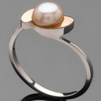 Серебряные кольца с жемчугом и золотом арт. 487к