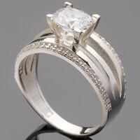 Серебряное кольцо 925 пробы с фианитами арт. 509к