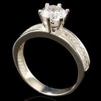 Серебряное кольцо 925 пробы с фианитами арт. 511к