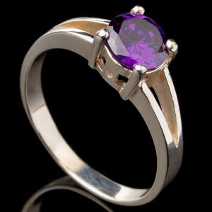 Серебряное кольцо 925 пробы с фианитами арт. 531к