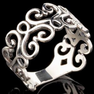 Серебряное кольцо  925 пробы  арт. 579к