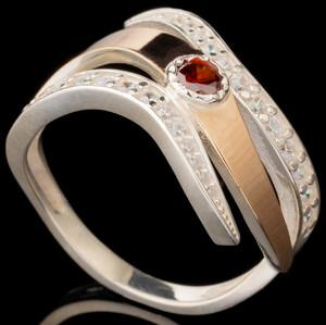 Серебряное кольцо 925 пробы с золотом арт. 601к