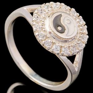 Серебряное кольцо 925 пробы с эмалью арт. 646к