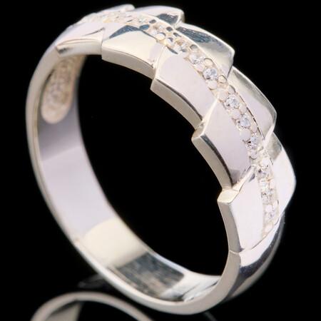 Серебряное кольцо 925 пробы с фианитами арт. 381к