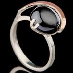 Кольцо серебряное с кабошоном и золотыми вставками арт. 583к