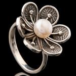 Серебряное кольцо с жемчугом 925 пробы арт. 719к