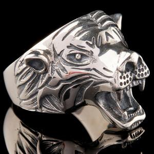 Перстень мужской Тигр из серебра  925 пробы арт. 672к