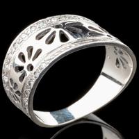 Серебряное кольцо 925 пробы с фианитами арт. 529к